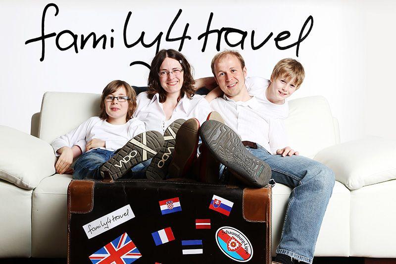 Das sind wir: Janis, Lena, Martin und Silas.