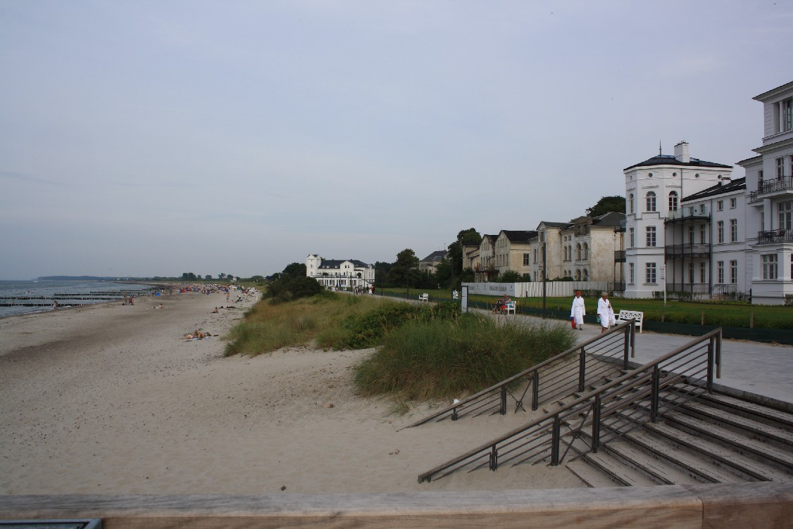 The atmosphere of Heiligendamm delivers a peculiar mixture of history, beach fun, exclusiveness and decay.