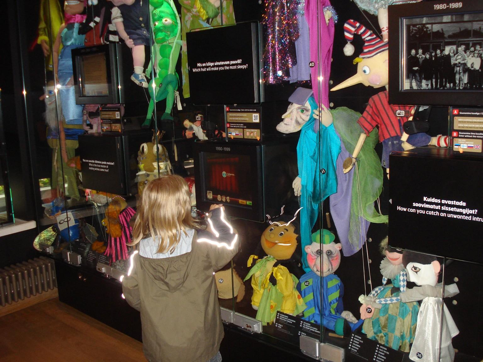 Das NUKU Puppen-Museum in Tallinn. Viel Technik, viel bunt.