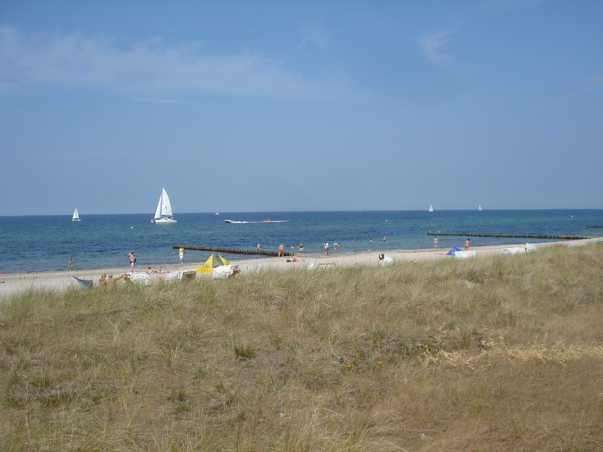 The beach of Kühlungsborn is a beautiful one. The place consists of two old fishing-villages connected by a seafront walk and a line of rather posh hotels.