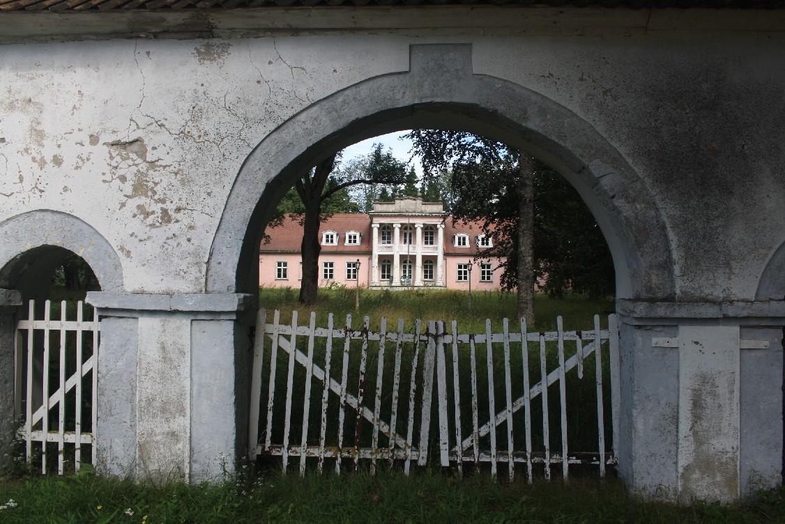 verlassenes-herrenhaus-saaremaa-estland