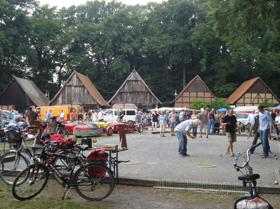 Steinhude is a busy place at the weekends as half of Hannover tends to come here for an outing.