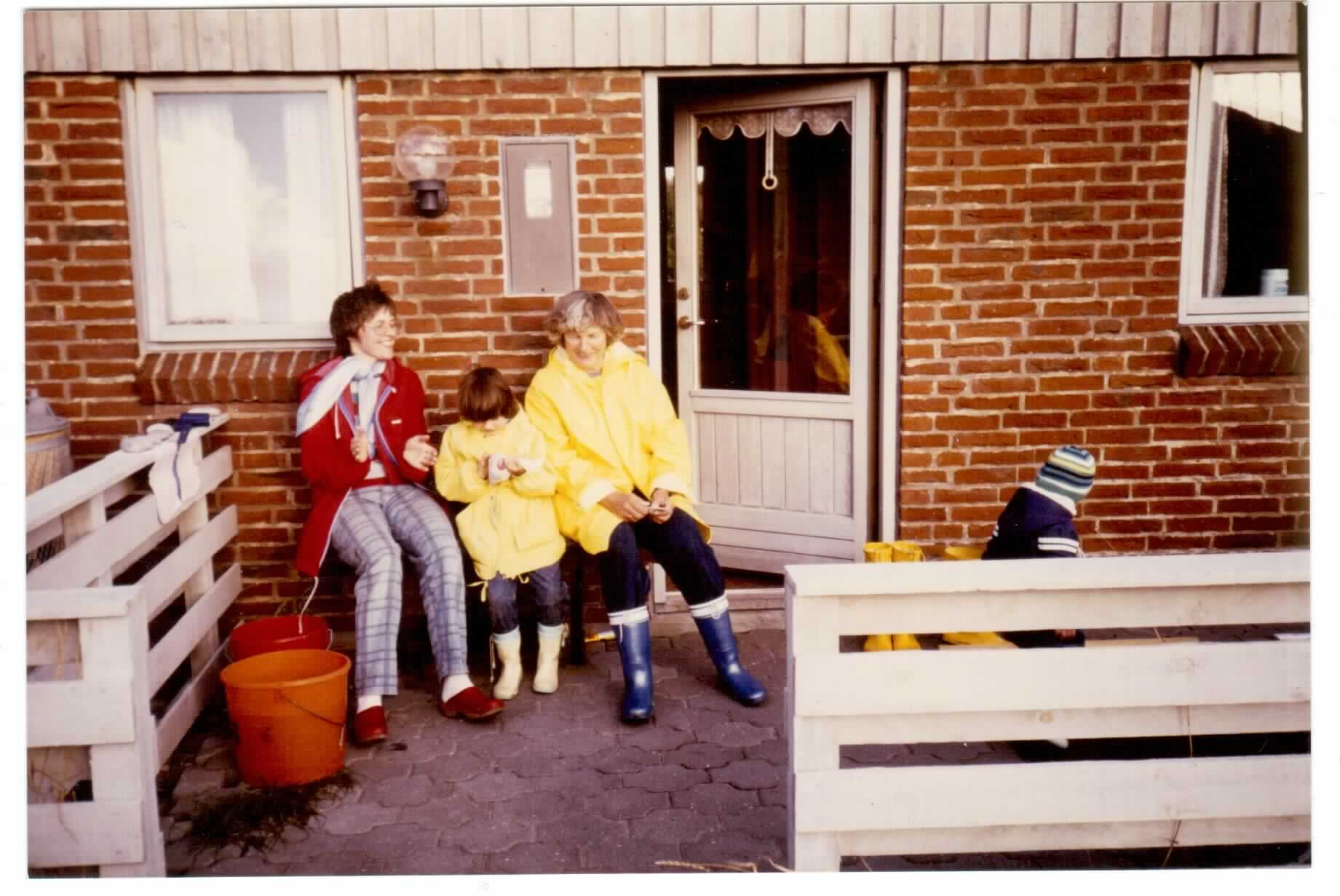 Mum, Grandma and I in front of a holiday house in Denmark, in 1987 I think.