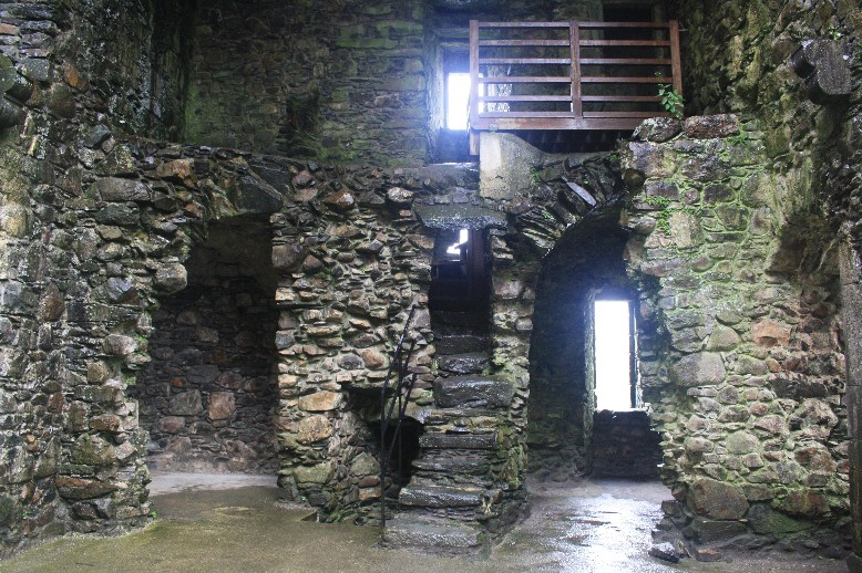 There is free access to the insides of the castle. You mustn't be overweight though if you want to climb the tower.