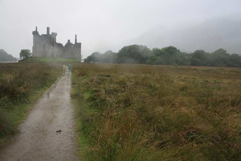 Kilchurn Castle looks particularly good in rain. (And yes, of course I'm only saying this because I only saw it in the rain.)