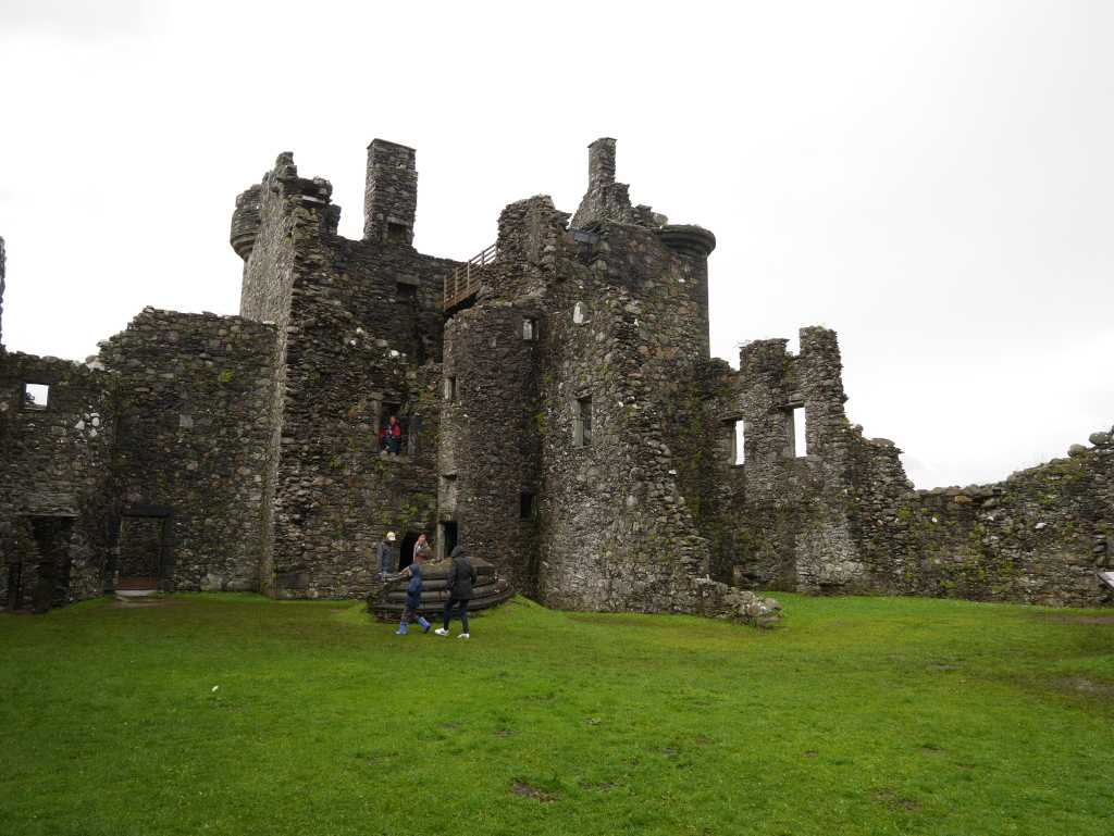 kilchurn castle innen