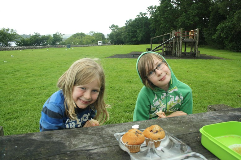 We found a  good place for a break just a few metres off the A82 road and next to the water.