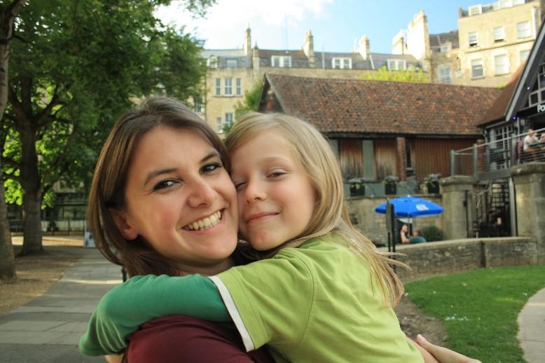 Stephanie, die liebste Stadtführerin von Bath. (Our dearest tour-guide of Bath: our former au-pair Stephanie.)