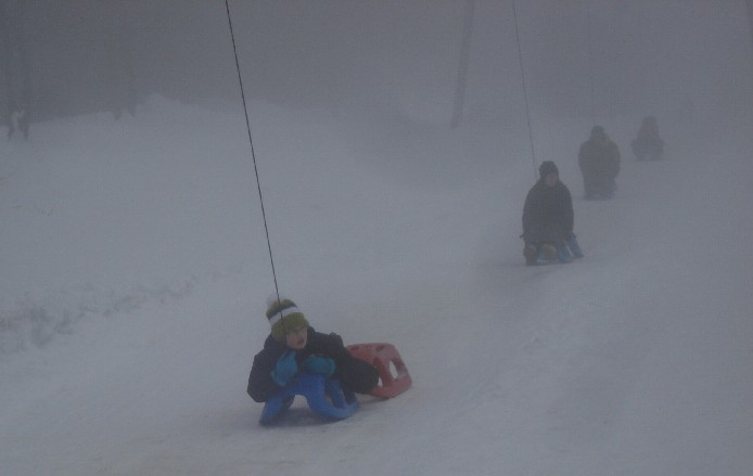 Uphill sledding - thanks to the toboggan-lift in Torfhaus.