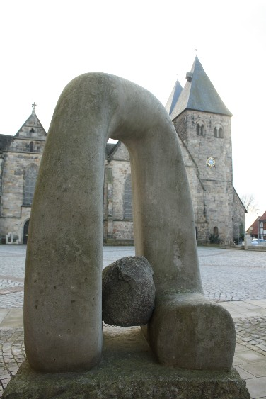 """The shootingqueens asked for photos """"typical for my town"""" - and for Obernkirchen, that must be sandstone sculptures. This one is by Isamo Fujimoto and Frida Schlange and is called """"Free Wind""""."""
