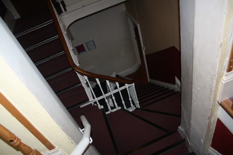 A Harry-Potter-like staircase in the youth hostel of Brecon.