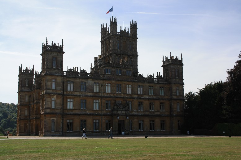 highclere castle zu besuch in downton abbey family4travel. Black Bedroom Furniture Sets. Home Design Ideas