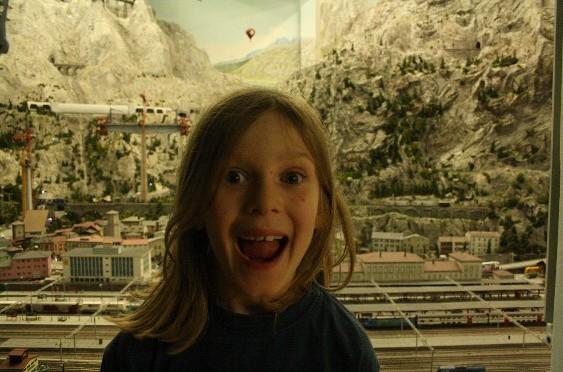 Miniaturwunderland Hamburg: Wo sich Eisenbahnen, Feen und Aliens treffen und wir an einem Tag um die Welt gereist sind