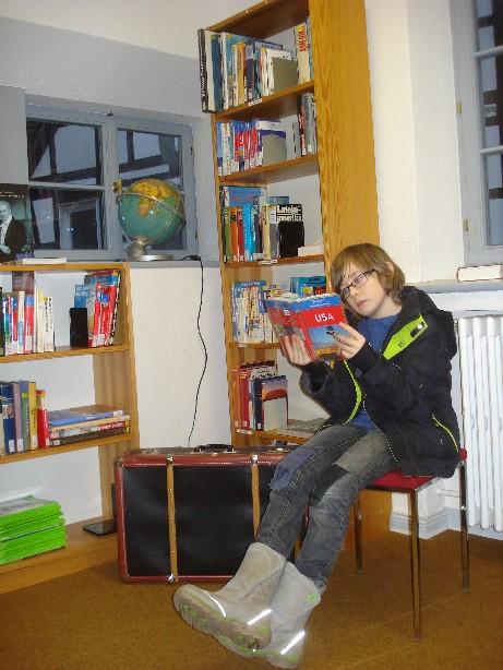 Einfach mal 'ne Runde lesen gehen in der Bücherei (und dabei gleich noch Reisevorbereitungen betreiben...) - (A visit to the local - or not so local - library always counts as an excellet outing, plus you can do some preparation for the next journey.)