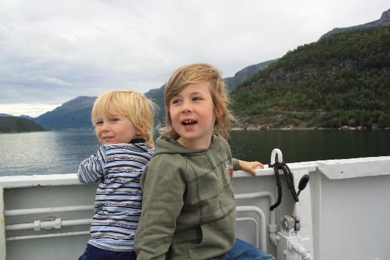 Zu Wasser oder zu Land - Reisen ist für Kinder immer ein großes Abenteuer - oder?
