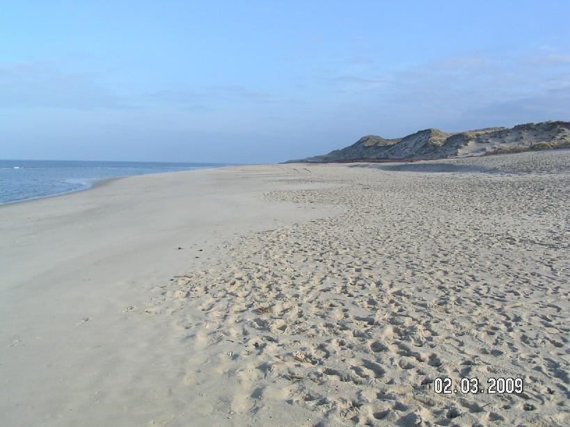 Früh im Jahr sind die Strände menschenleer - zumindest morgens um halb sieben. (Empty beaches early in the year - at 6.30 a.m.)