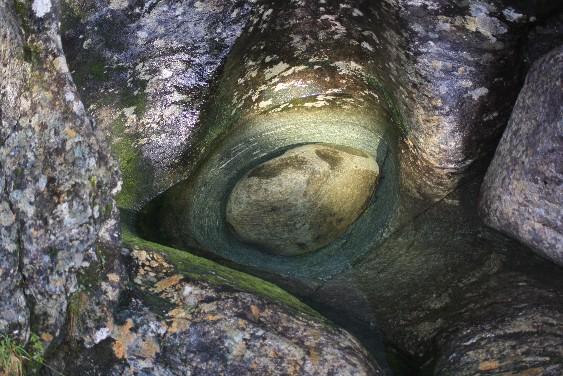 oystese-trolltopf