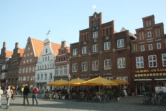 Lüneburg ist eine herrlich quirlige und zugleich idyllische Stadt.