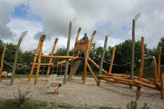 Föhr hat viele, viele Spielplätze. Dieser hier in Borgsum hat meinen Jungs am besten gefallen.
