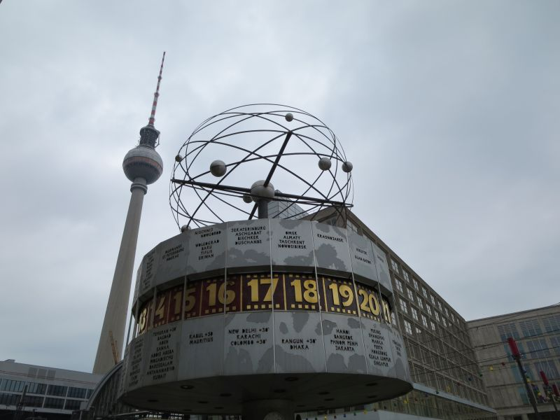 Mit Weltzeituhr und Fernsehturm war der Alexanderplatz das Zentrum Ostberlins.