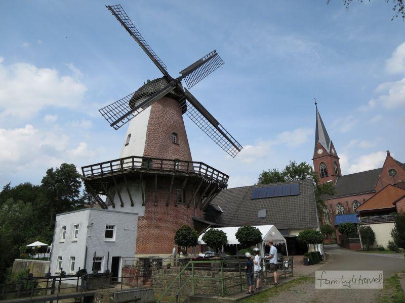 Die Klostermühle ist Wind- und Wassermühle zugleich.