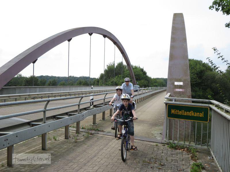 Das Schöne an Fahrradtouren Richtung Mittellandkanal: Es gibt keine Berge. 48 Kilometer absolvieren die Jungs an diesem Tag (fast) ganz ohne Murren.