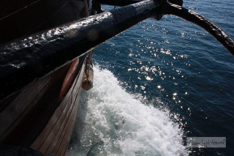 Auf der türkisblauen Adria zu schippern, kann ein erhebendes Erlebnis sein (nehme ich an, wenn man die Jolle nicht mit 246 anderen Urlaubern teilt).