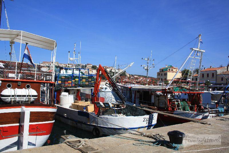 """In Vrsar gibt es durchaus noch """"echte"""" Fischerboote zu sehen."""