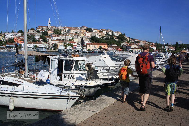 Heute sind nur noch wenige Fischerboote, dafür umso mehr Segler im Vrzars Hafen zu sehen.
