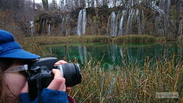 An den Plitvicer Seen bricht jeder Hobby-Fotograf in Entzücken aus (zumindest, wenn der Besucherandrang ausgedehnte Foto-Shoots erlaubt - November ist da eine ideale Reisezeit).