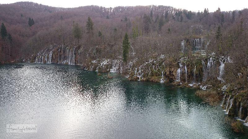 Wie viele Wasserfälle es an den Plitvicer Seen gibt? Wer will die ernsthaft zählen?!