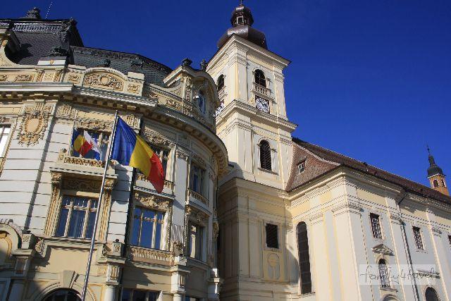 In Sibiu sind (fast) alle Fassaden auf Hochglanz poliert. Siebenbürgens Vorzeigestadt steht deutschen Tourismusmagneten in nichts nach.