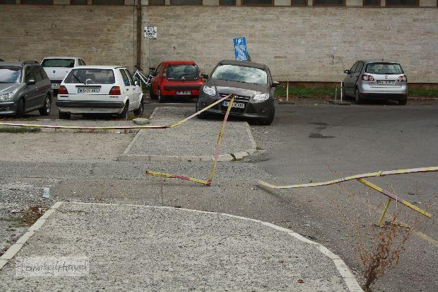 Auto fahren ist in jeder Hinsicht eine Herausforderung in Rumänien.