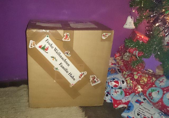 Auf uns wartet ein dickes Paket aus der Heimat! Und tatsächlich nicht nur das.