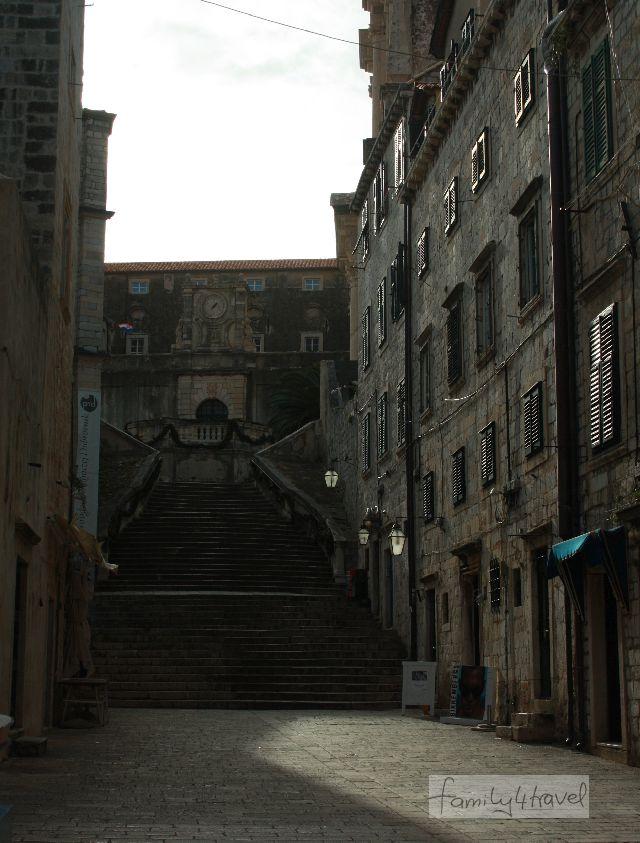 Vielerorts zeugt das imposante Stadtbild Dubrovniks von der Blütezeit des einstigen Stadtstaats.