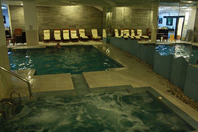 Den Wellnessbereich mit Pool haben wir an den meisten Nachmittagen ganz für uns allein.