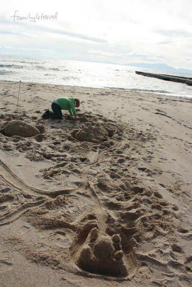 Sandburg war gestern, heute werden komplette Städte auf Sand gebaut.