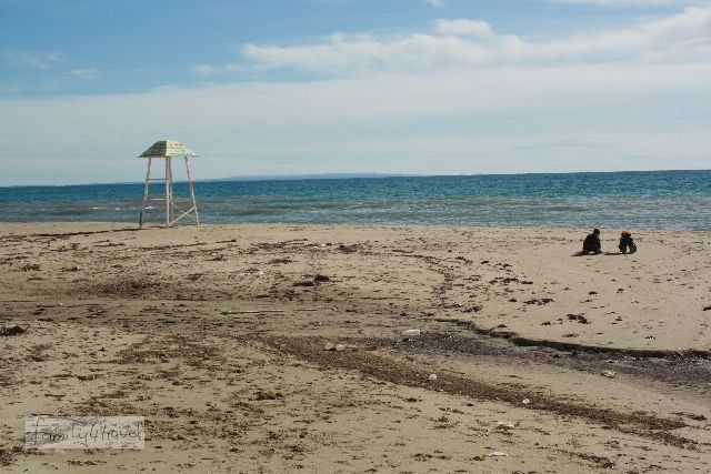 Der Strand von Nea Kallikratia befindet sich direkt am Ende der Fußgängerzone.