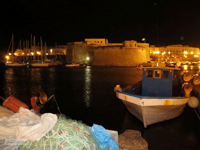 Die Festung wacht über den Zugang zur Insel.
