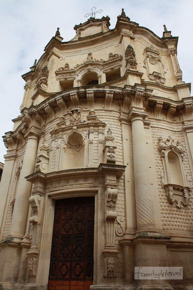 Eine von vielen Kirchen in Lecce und eines von vielen Beispielen des Lecceser Barocks.