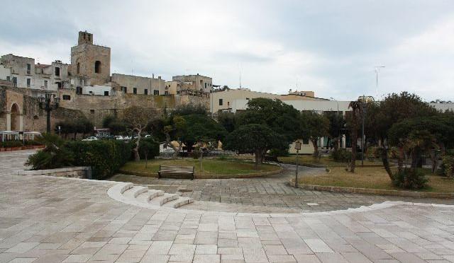 Otranto: Wo Adam kein Feigenblatt trägt – und wie die Stadt zu 800 Heiligen auf einmal kam