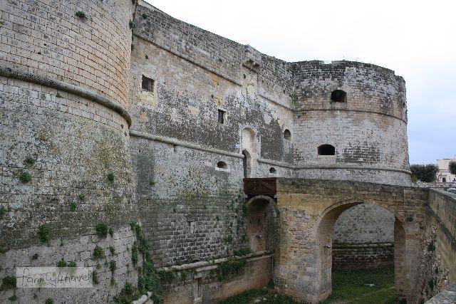Die Festung liegt außerhalb der Stadtmauern. Anscheidend trauten die Spanier der Stadtbevölkerung nicht ganz...