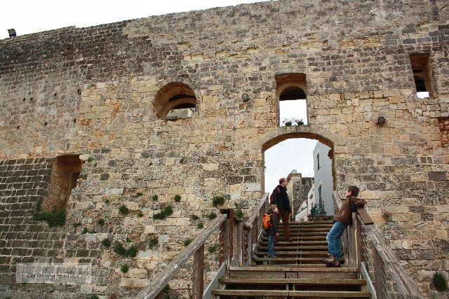 Die Stadtmauer von Otranto ist beeindruckend.