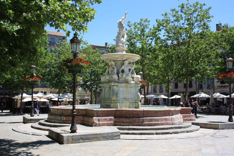 """Auch die Bastide, die im 13. Jahrhundert errichtete """"Neu""""stadt, hat schöne Ecken."""