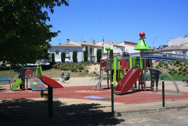 Dieser Spielplatz befindet sich auf der Flusseite der Bastide, der Neustadt von Carcassonne.