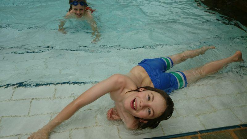 Glückliche Kinder im AquaMundo.