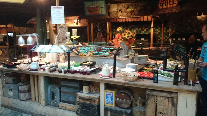 Abendessen im Market Restaurant - was immer das Herz begehrt (oder die elterlich verordnete Gemüsequote verlangt).