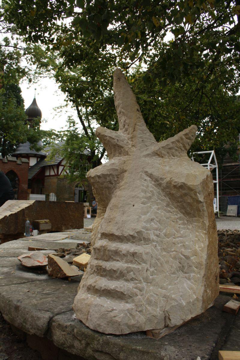obernkirchen-sandstein-iobs-skulptur-trafohaus