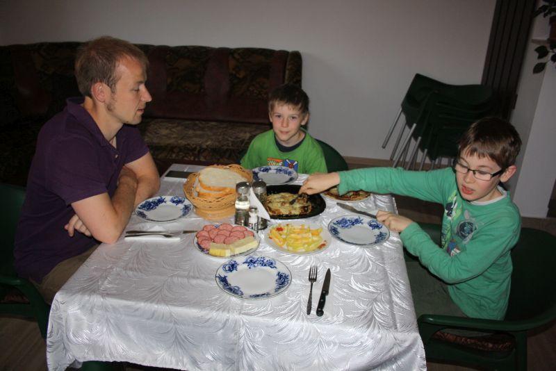 rumänien-unterkunft-pension-frühstück-tureni