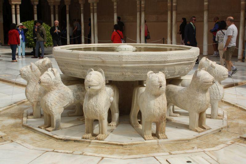 Herzstück des Nasridenpalastes: der Löwenbrunnen (ich find ihn gar nicht so toll, ehrlich gesagt, aber da ist er).